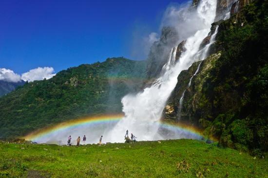 nuranang-falls-car-rental